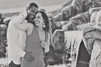 black and white engagement photographer pictures las vegas. Pool engagement pictures las vegas.