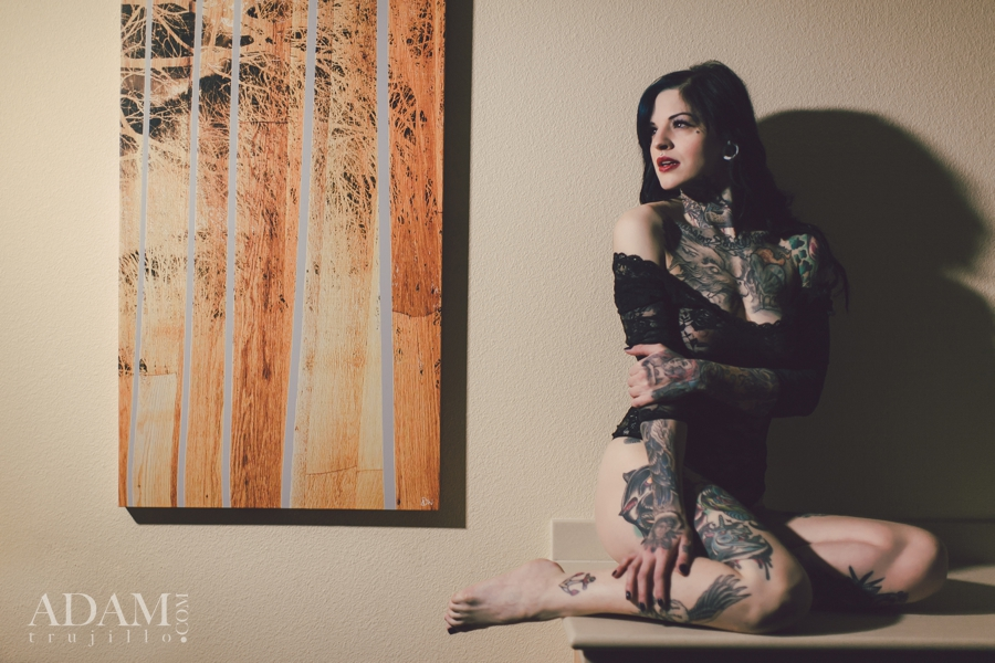Tattooed Model, pin up photography.  Inked Girls, Hard Girls Soft light.