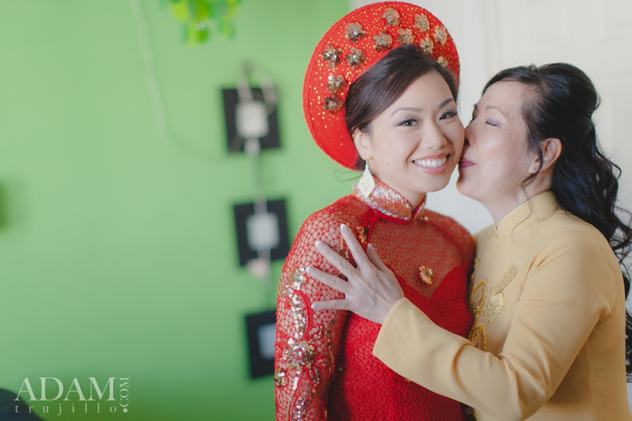 Las Vegas Wedding Tea Ceremony Picture