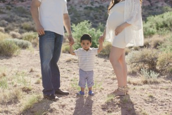 Red Rock Las Vegas Maternity Photography Pictures