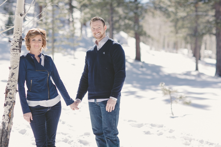 Las Vegas Engagement Photographer Pictures, Las Vegas Wedding Videographer, Mount Charleston Engagement Pictures.  Winter Snow Engagement session in Las Vegas.